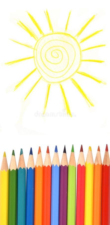 Lápis da cor sob o sol tirado Isolado imagem de stock