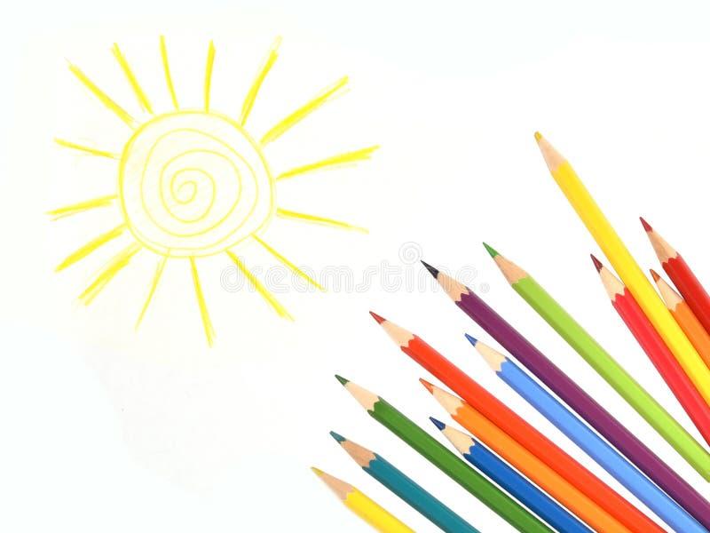 Lápis da cor sob o sol tirado Isolado foto de stock