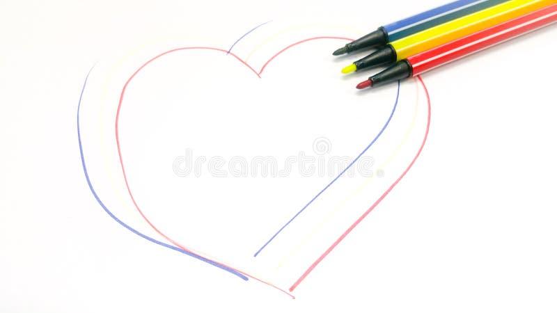 A lápis desenho do coração pela pena da cor imagens de stock