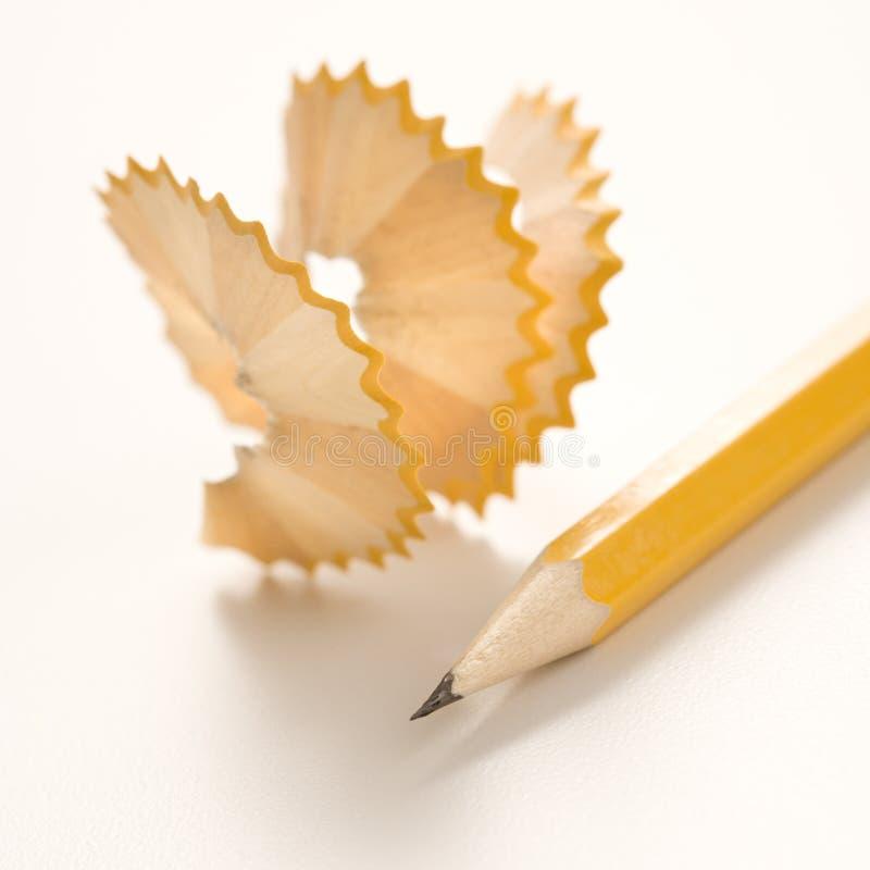 Lápis e aparas. imagens de stock royalty free