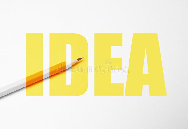 Lápiz amarillo en el fondo blanco, minimalismo Creatividad, idea, solución, concepto de la creatividad stock de ilustración