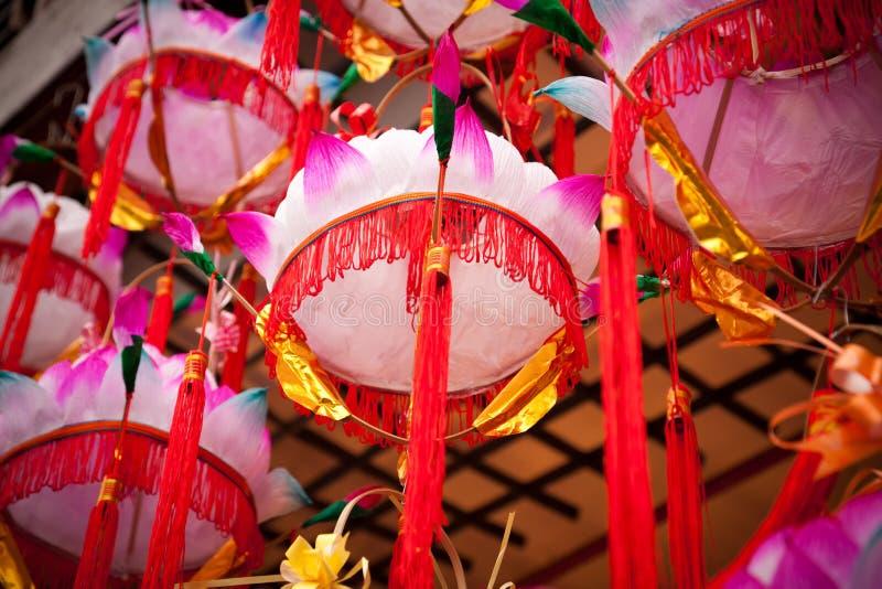 Lâmpada chinesa da flor dos lótus das lanternas de papel imagem de stock royalty free