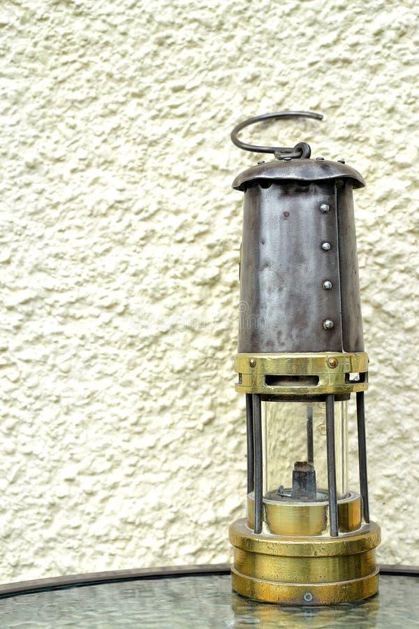 lâmpada de mineiros retro em Gales, Reino Unido imagem de stock royalty free