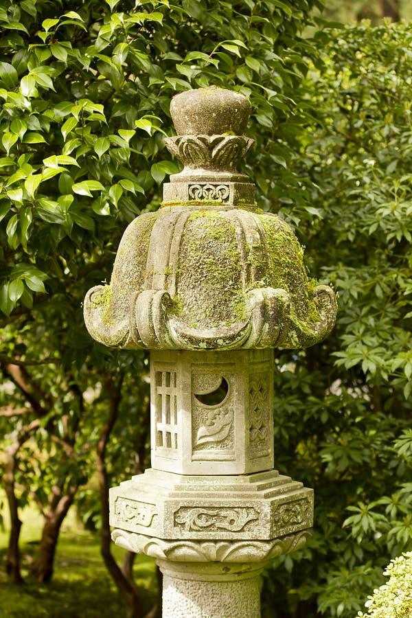 Lâmpada de pedra japonesa fotos de stock royalty free