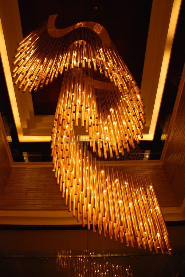 A lâmpada de pendente magnífica imagens de stock