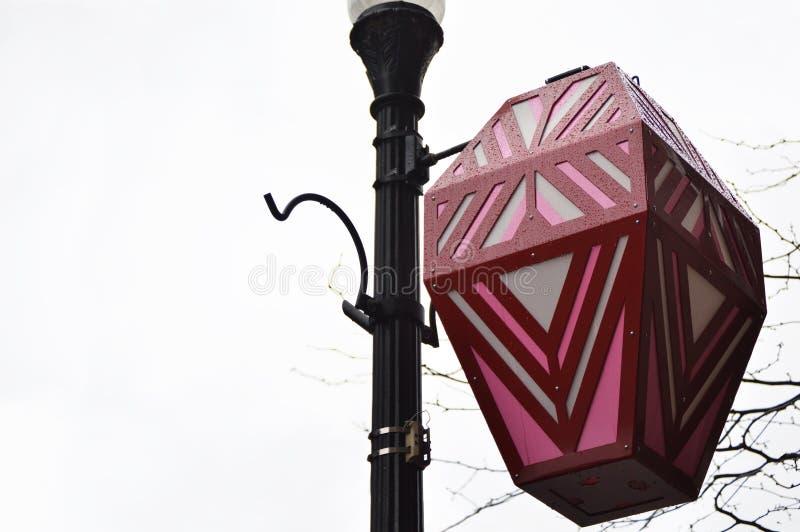 Lâmpada de rua chinesa que pendura na luz de rua imagens de stock