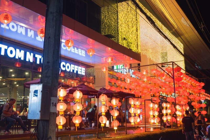 Lâmpada de rua do 18o Ano Novo chinês de Phuket e de Phuket velho t imagem de stock