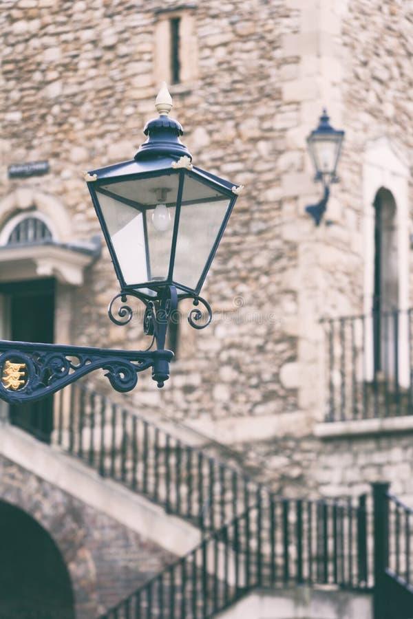 Lâmpada de rua na torre fotos de stock royalty free