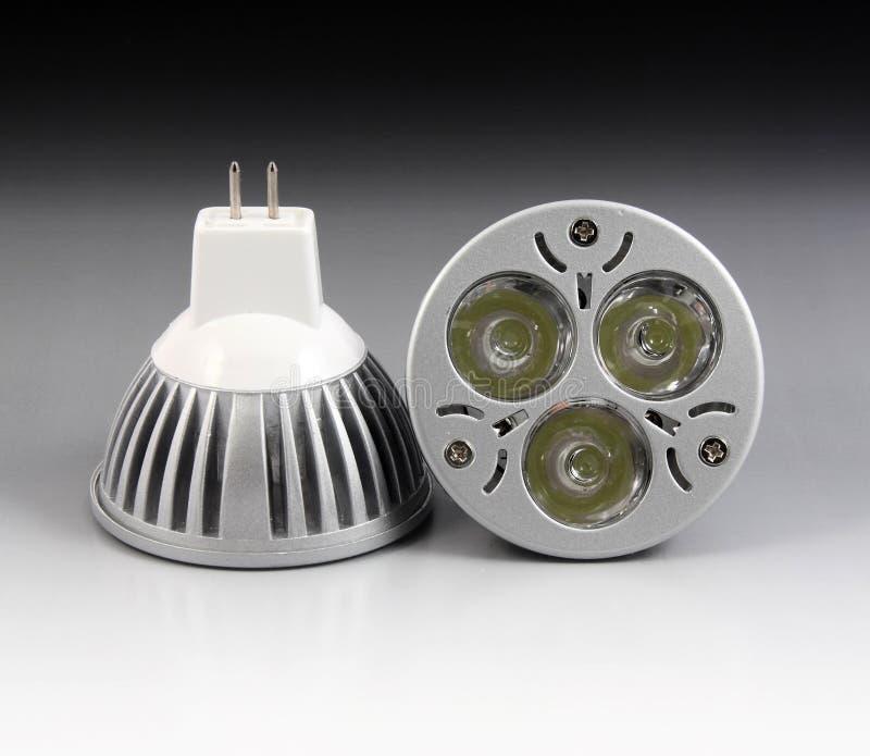 Lâmpada do diodo emissor de luz com 3 microplaquetas foto de stock