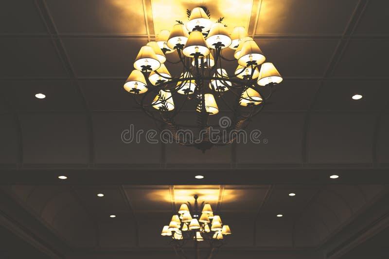 Lâmpada do vintage no hotel imagem de stock