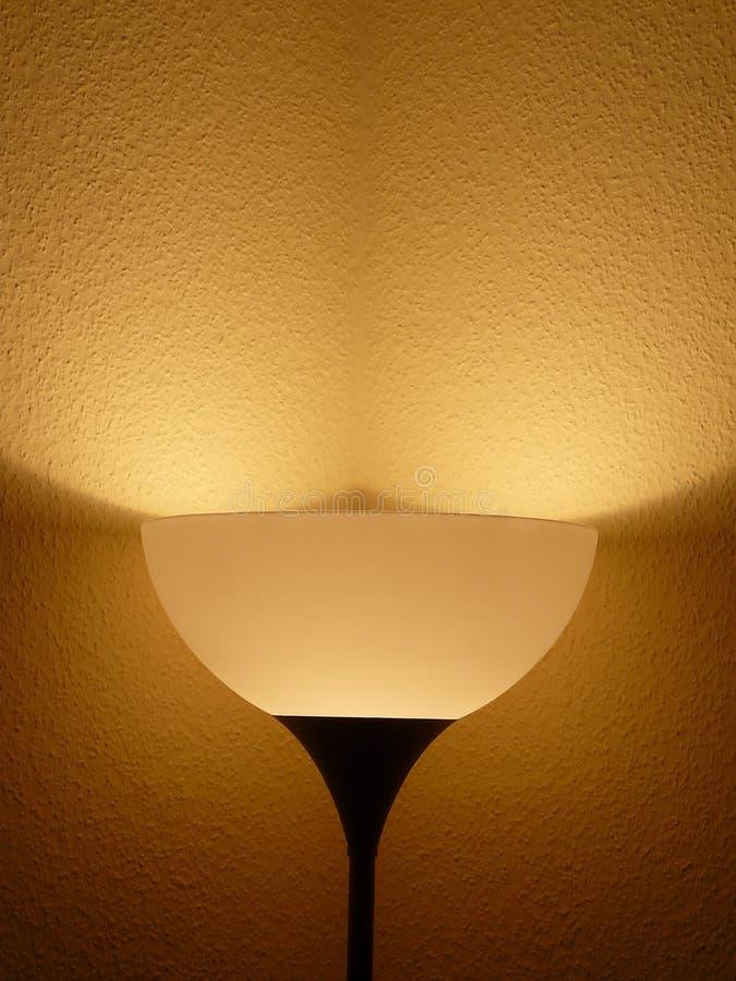 Lâmpada e eròtica sombras da noite imagem de stock