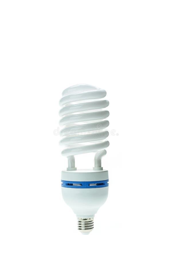 Lâmpada fluorescente compacta de poupança de energia, forma espiral O isolado fotografia de stock royalty free