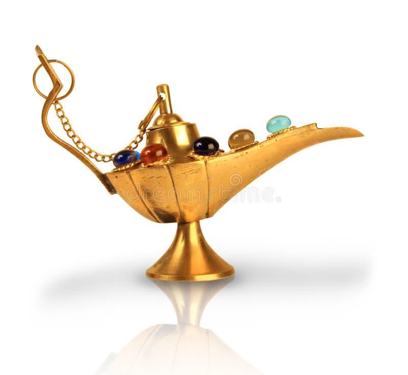 Lâmpada mágica de Aladdin com pérolas imagem de stock royalty free