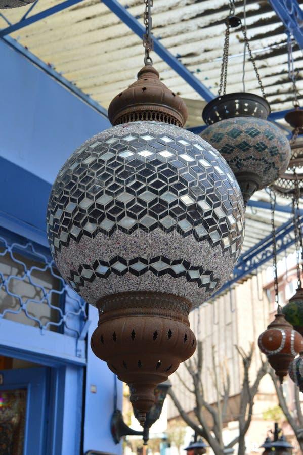 A lâmpada turca oxidada velha, fecha-se acima da vista fotos de stock