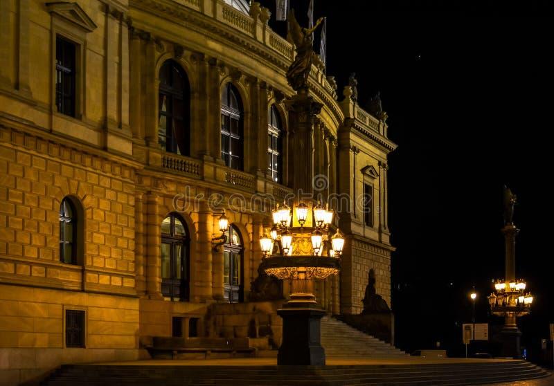 Lâmpadas de gás da rua em Praga foto de stock royalty free
