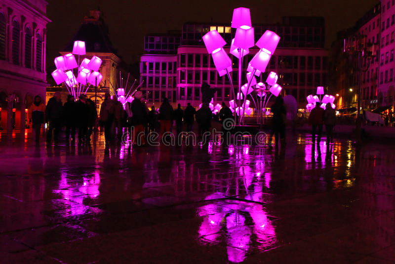 Lâmpadas de rua cor-de-rosa no lugar Pradel foto de stock royalty free