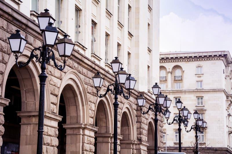 Lâmpadas de rua do vintage em Sófia, Bulgária imagens de stock royalty free
