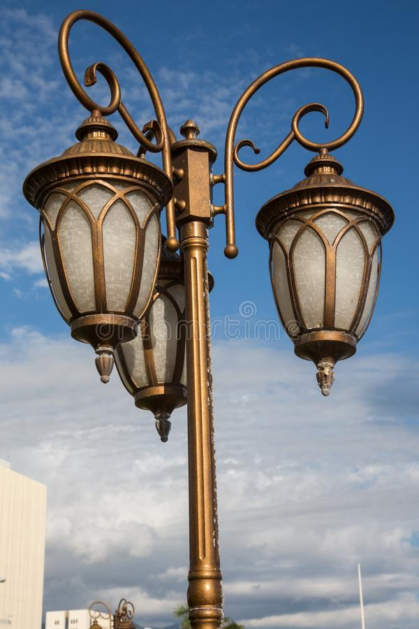 Lâmpadas de rua velhas imagens de stock