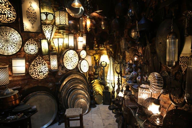 Lâmpadas decorativas no bazar grande Istambul fotos de stock royalty free