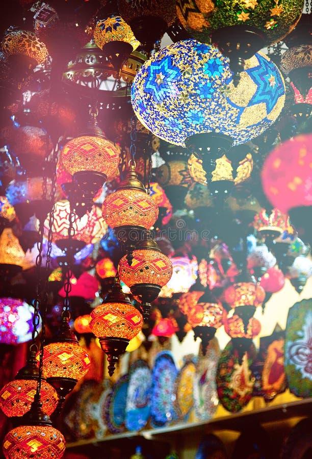 Lâmpadas turcas na loja de lembrança fotos de stock
