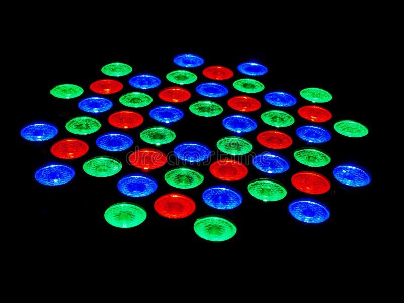Lâmpadas verdes e azuis vermelhas do diodo emissor de luz no fundo preto imagens de stock