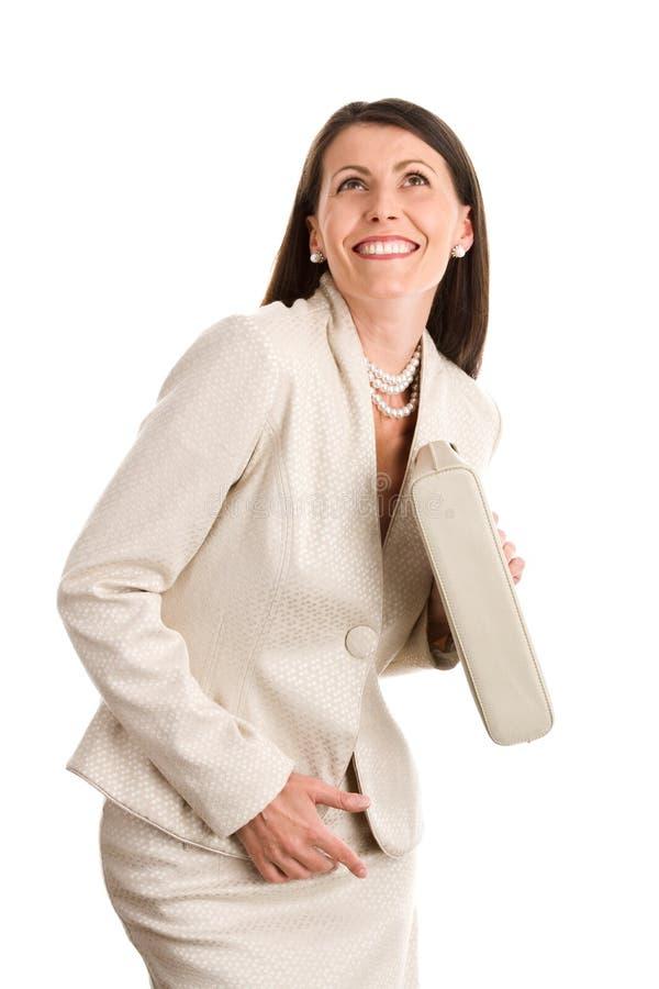 Lächeln der eleganten Frau lizenzfreie stockfotos