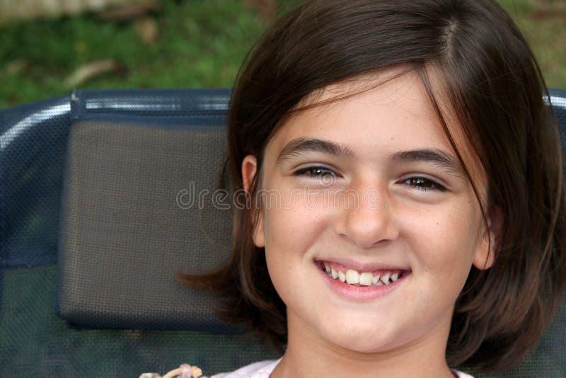 Lächeln des kleinen Mädchens lizenzfreie stockfotos