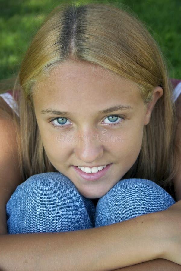 Lächeln-Mädchen stockfoto