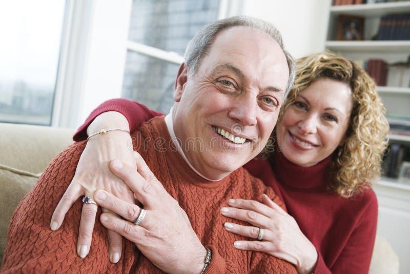 Lächelnde Ältere lizenzfreie stockfotos