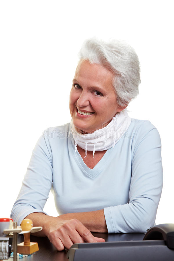 Lächelnde ältere Geschäftsfrau stockfotos