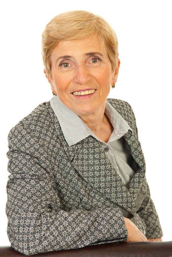 Lächelnde ältere Geschäftsfrau stockbilder