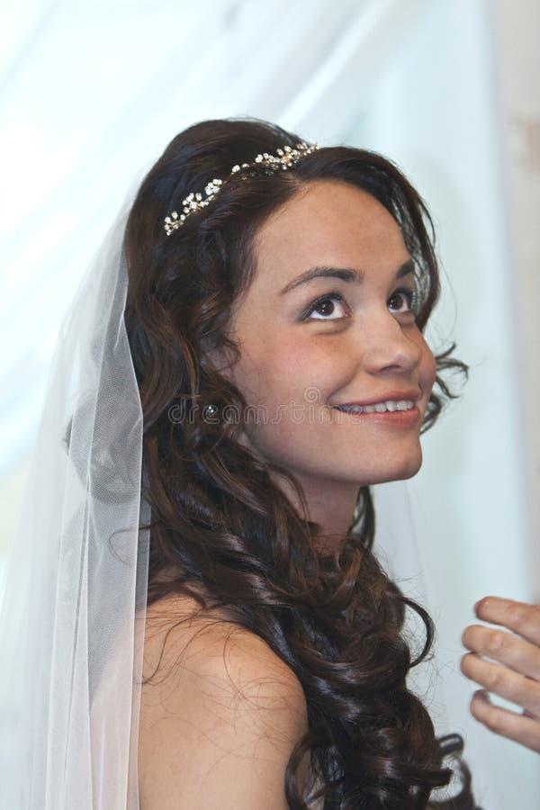 Lächelnde Braut lizenzfreies stockbild