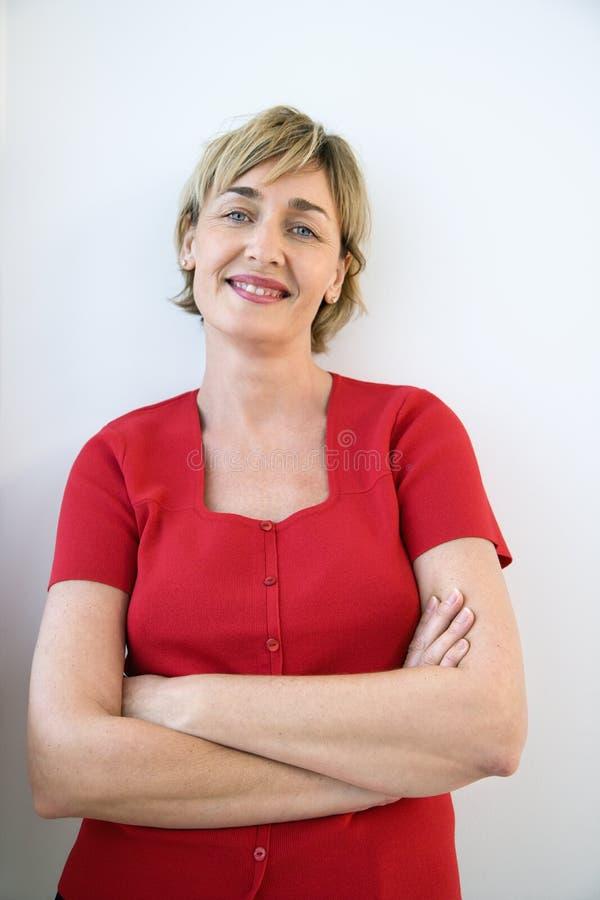 Lächelnde Frau. lizenzfreies stockbild