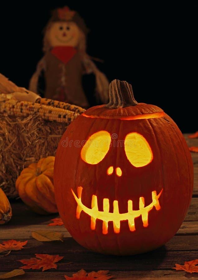 Lächelnde Halloween-Jack-O-Laterne stockbilder