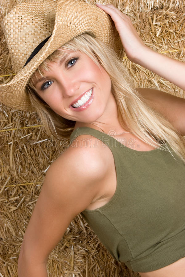 Lächelnde Land-Frau stockfotografie