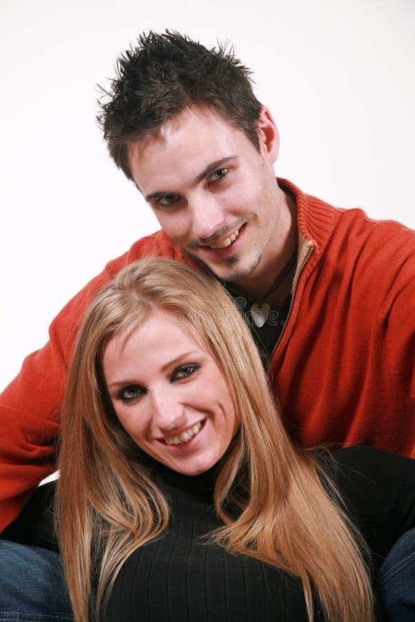 Lächelnde Paare stockfoto