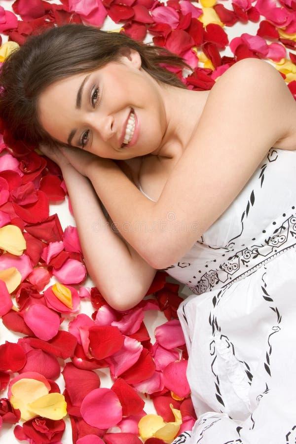 Lächelnde Schönheit lizenzfreie stockfotos
