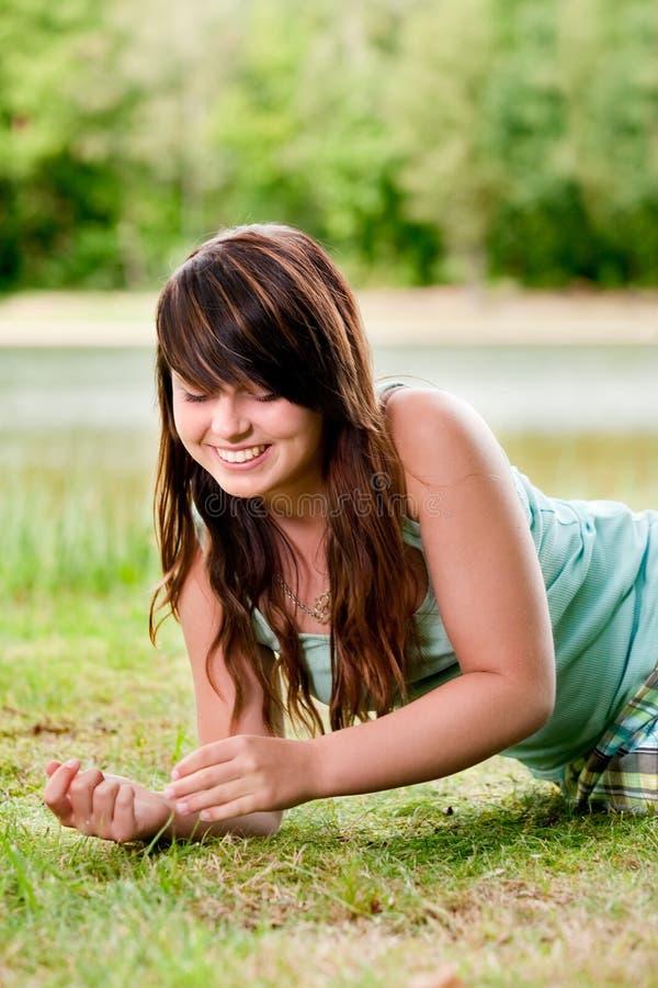 Lächelnder Jugendlicher stockbild
