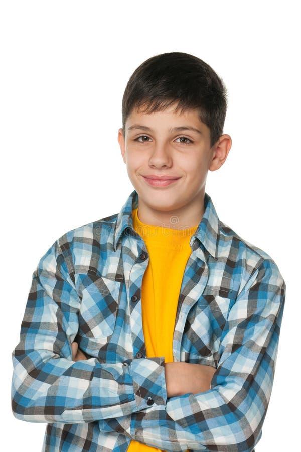 Lächelnder Jugendlicher der Art und Weise stockfotos
