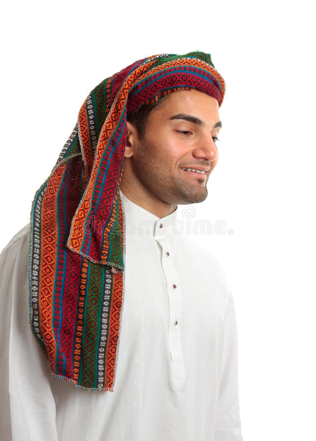 Lächelnder junger arabischer Mann lizenzfreie stockbilder