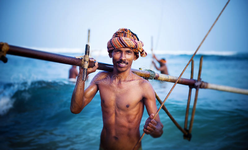 Lächelndes Fischer-Portrait Cultural Fishing-Konzept lizenzfreie stockfotos