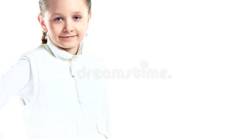 Lächelndes glückliches Porträt des kleinen Mädchens stockbild