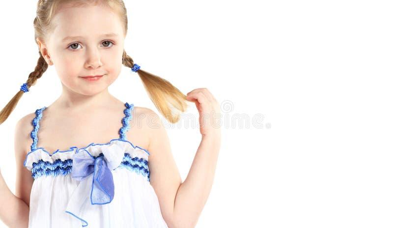 Lächelndes glückliches Porträt des kleinen Mädchens stockfotografie