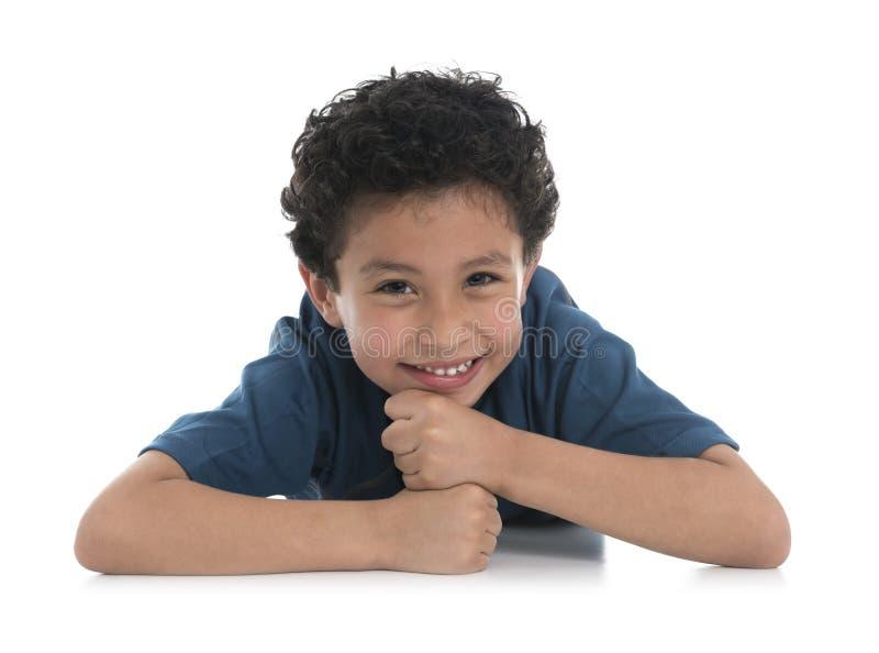 Lächelndes Jungenportrait stockbilder
