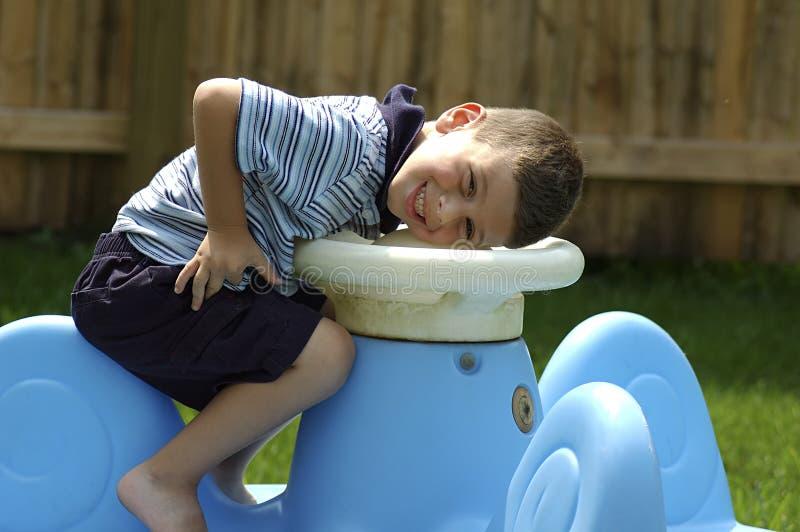 Lächelndes Kleinkind stockfoto