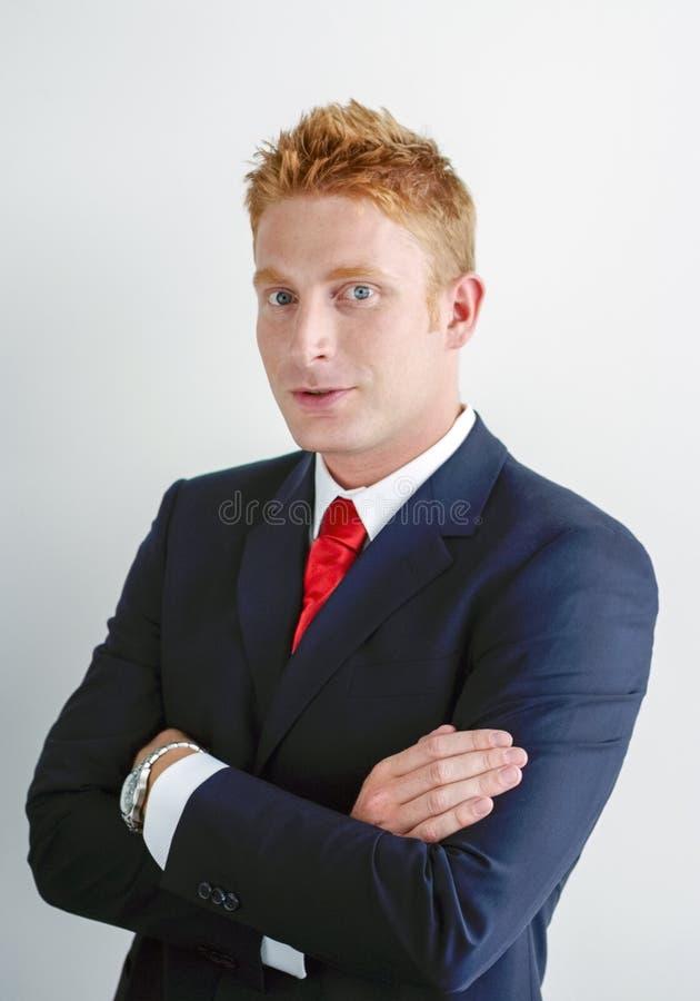Lächelndes Manager-Businessman-Porträt, das vorbei spricht stockbilder