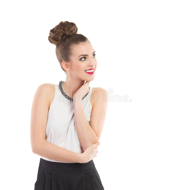 Lächelndes Mode-Modell, das weg schaut lizenzfreie stockfotos