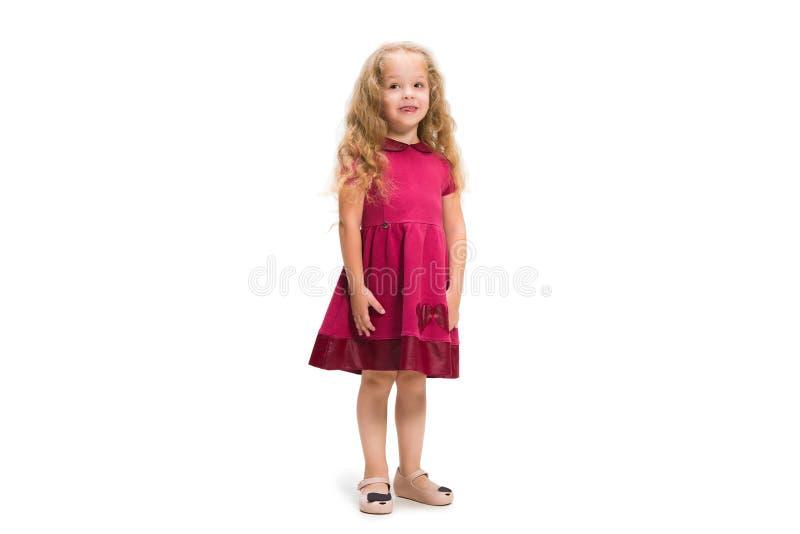 Lächelndes nettes Kleinkindmädchen drei Jahre über weißem Hintergrund lizenzfreie stockfotos