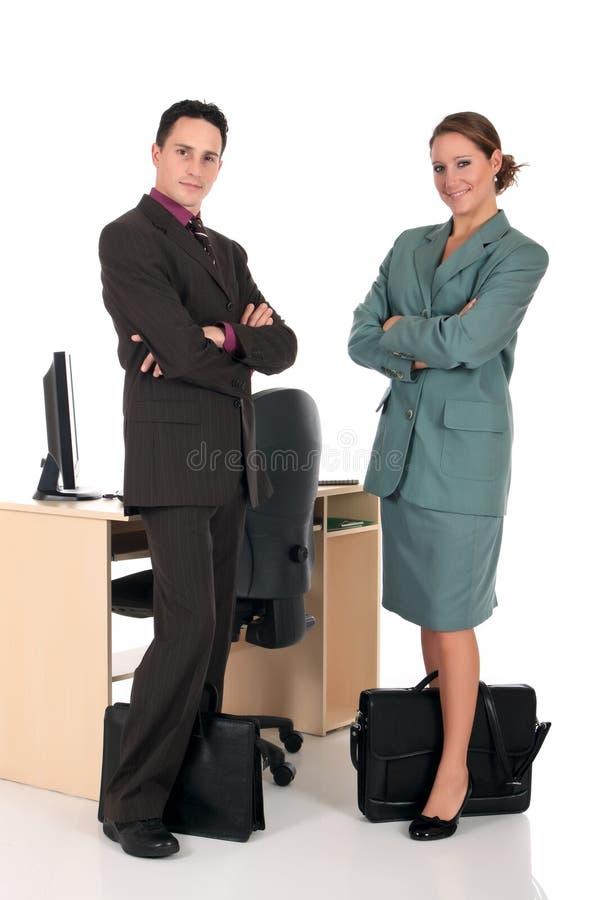 Lächelndes Wirtschaftlerbüro stockbild