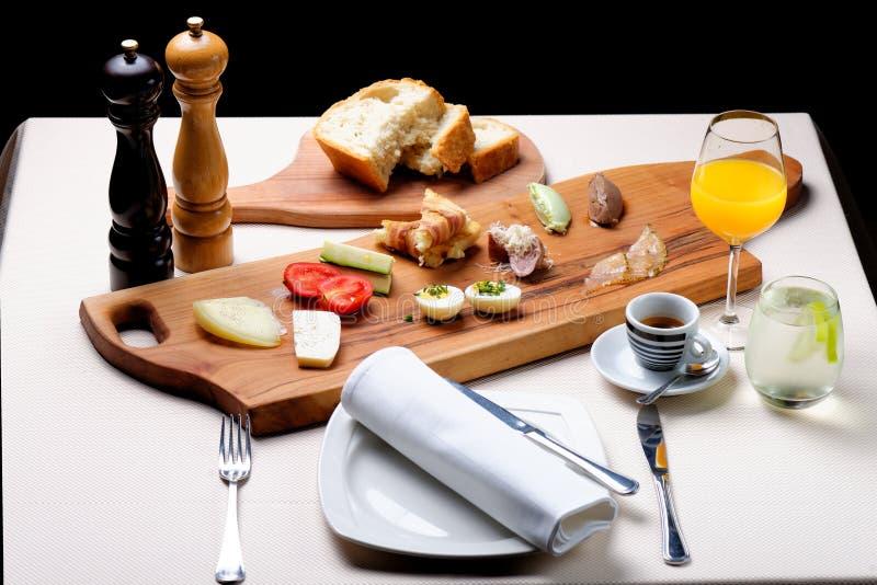 läcker frukost royaltyfria bilder
